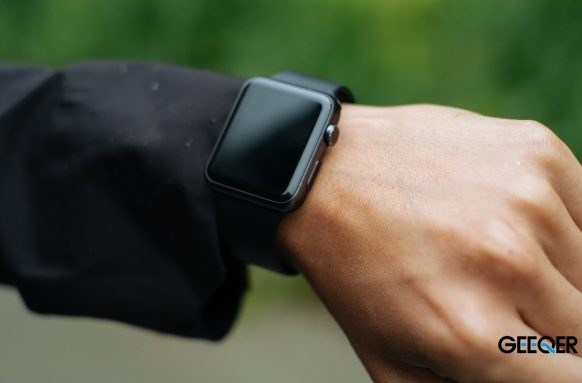 How Do Smartwatches Work?
